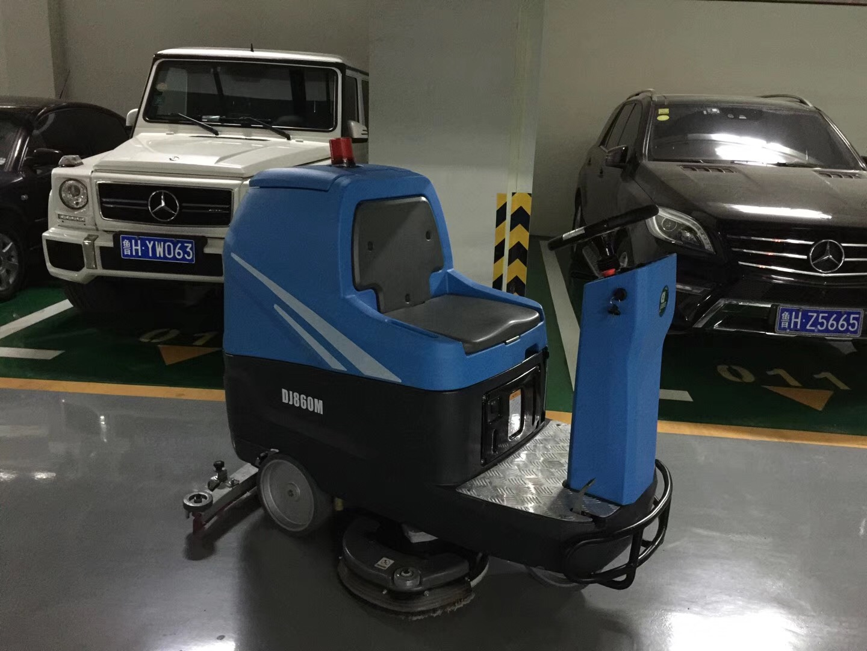 自动洗地机在环氧地坪地面的应用