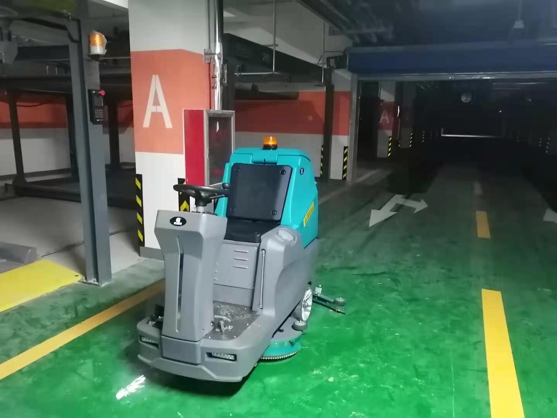 地下车库停车场引进洗地机清洁很重要